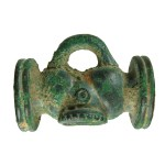 Late Iron Age to early Roman toggle. Copyright: Winchester Museums Service; CC-BY-SA licence)