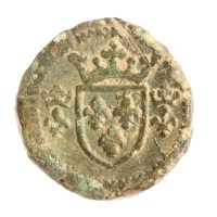 Medieval coin weight for a French écu (SOM-5E4713). Copyright: Somerset County Council; CC-BY licence)