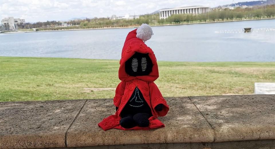 Unbound: Worlds Apart Prologue - Soli visits Australia