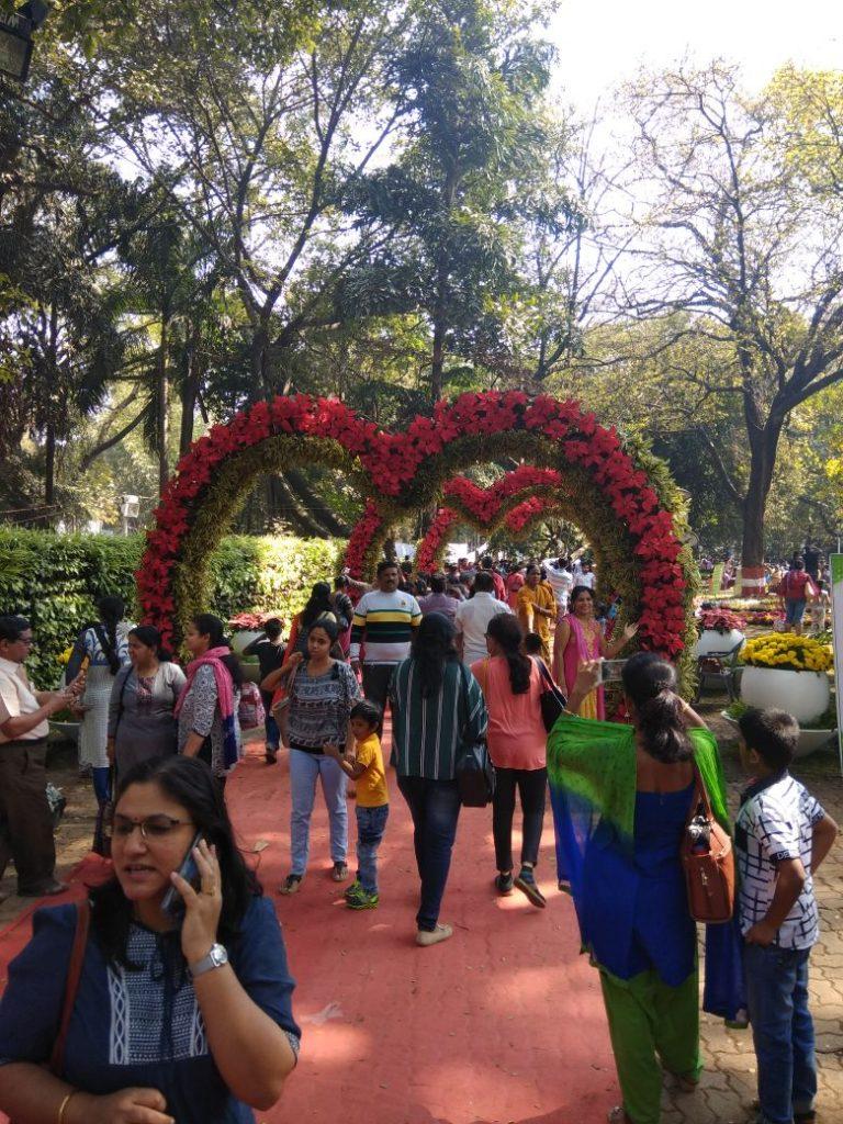 empress garden flowers crowd 2018