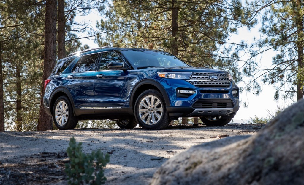 2020 Ford Explorer Review - Best SUVs for 3 Car Seats