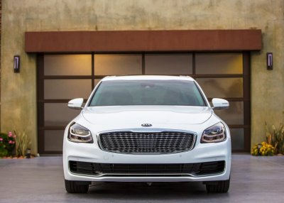 Read more about the article The Luxury Korean Brand, 2021 Kia K900, Will Make You Shine In All Ways
