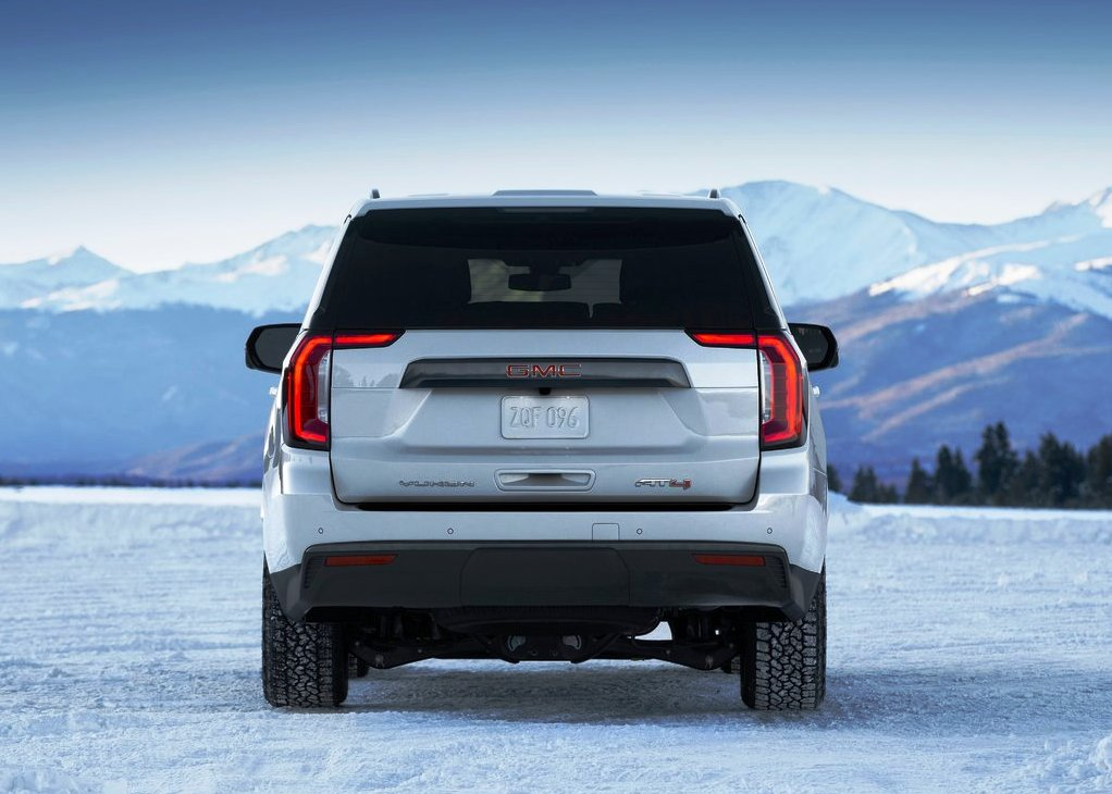 2021 GMC Yukon AT4 Rear Ange