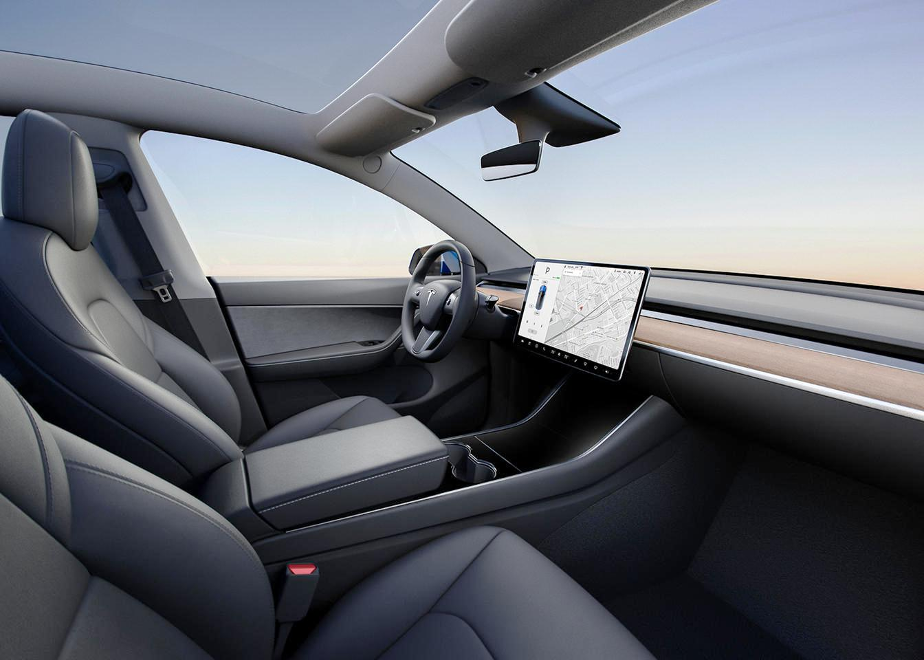 2021 Tesla Model Y Interior Dasboard with sleek and elegant Design