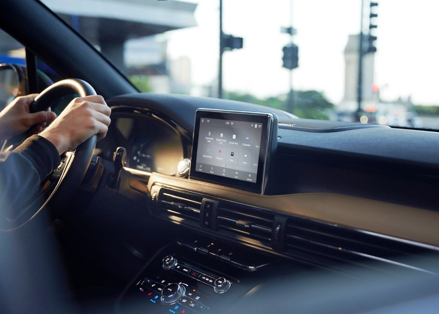 2021 Lincoln Corsair Grand Touring Tech Integration Dashboard