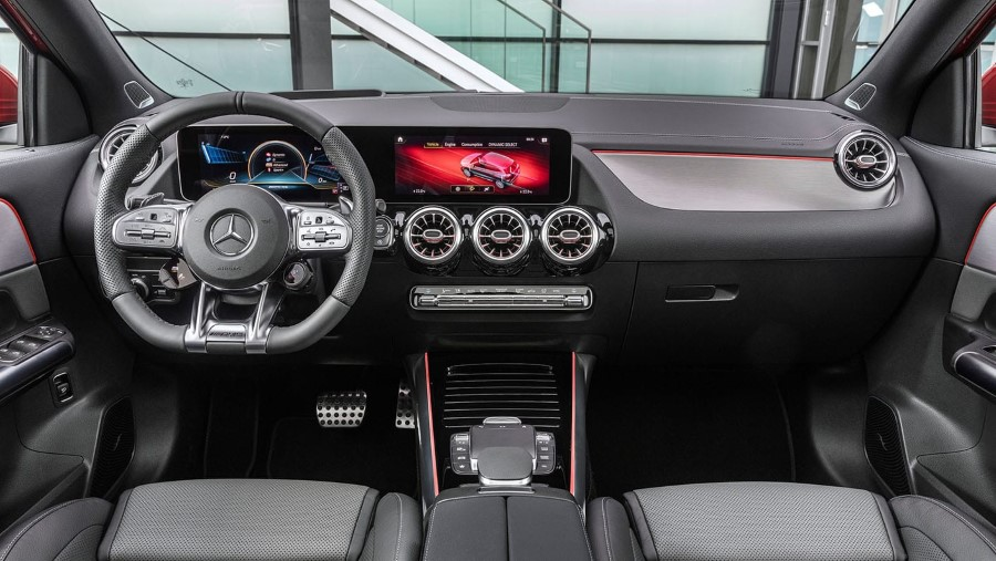 2021 Mercedes GLA 35 AMG Dashboard Changes