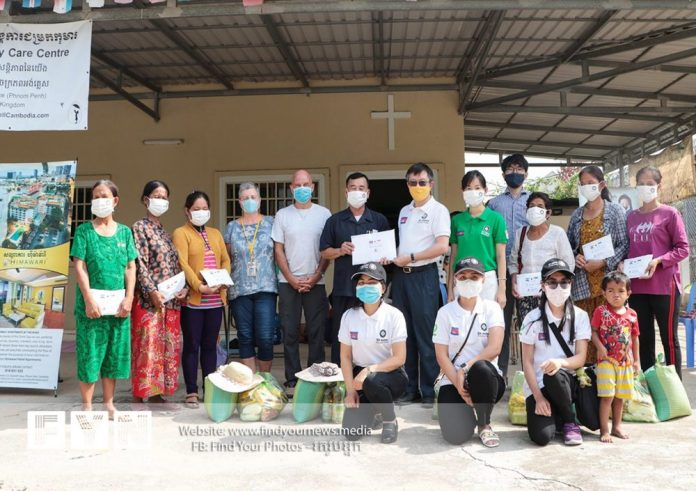St John Phnom Penh volunteers conducted hand washing and wearing of mask campaign