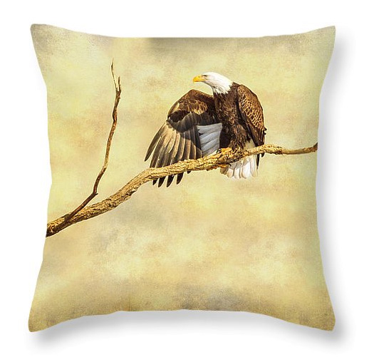 Majestic Eagle Point Throw Pillow