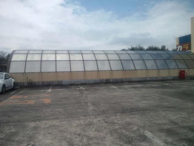 西友富谷店屋上の硝子屋根