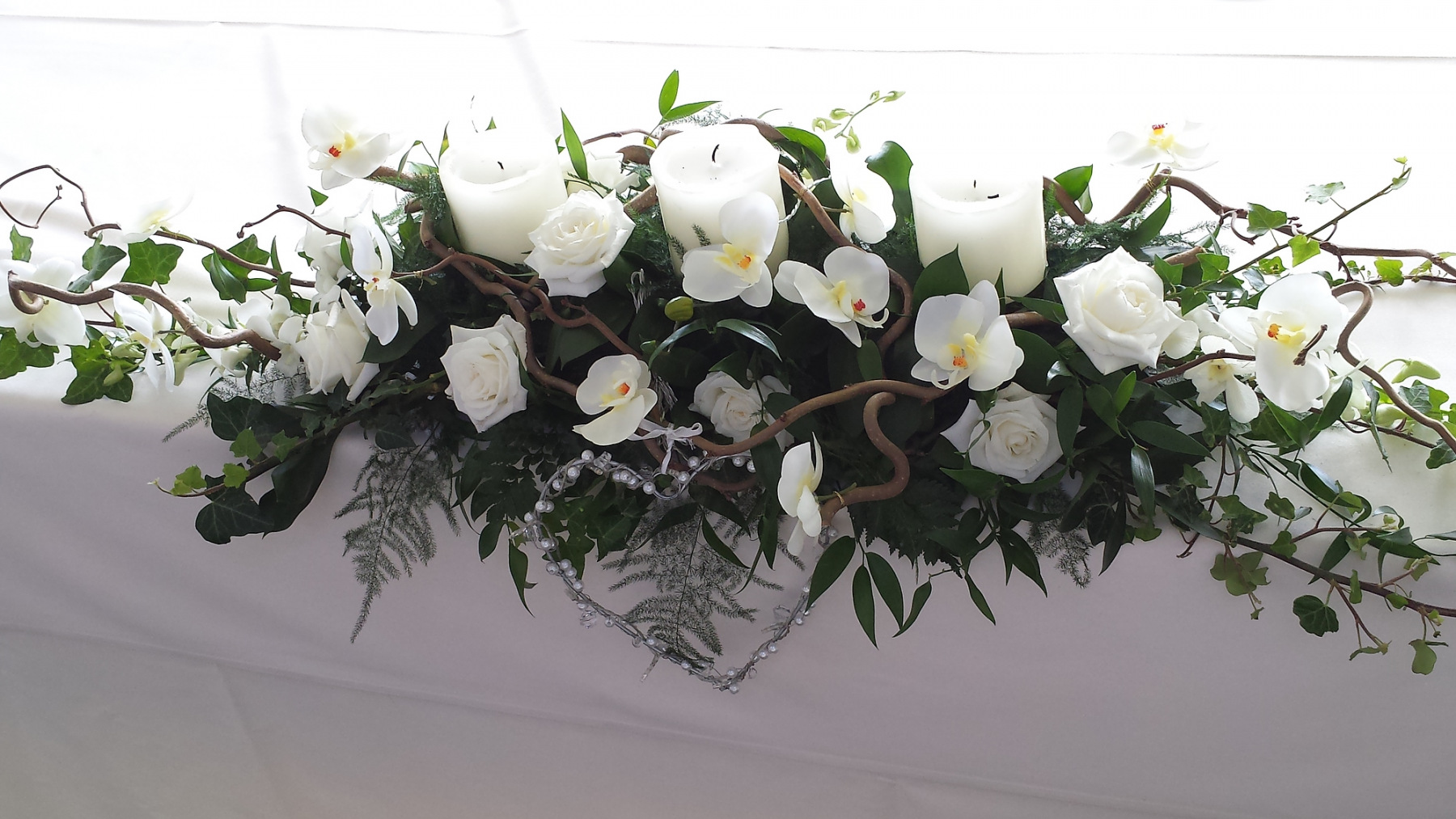 https fine flowers co uk wedding flowers long and low table flowers