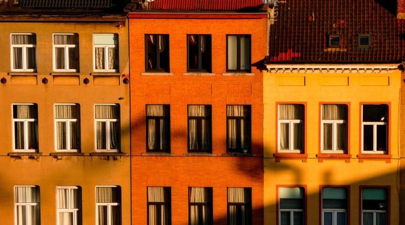 Houses Shadows Architecture  - urirenataadrienn / Pixabay