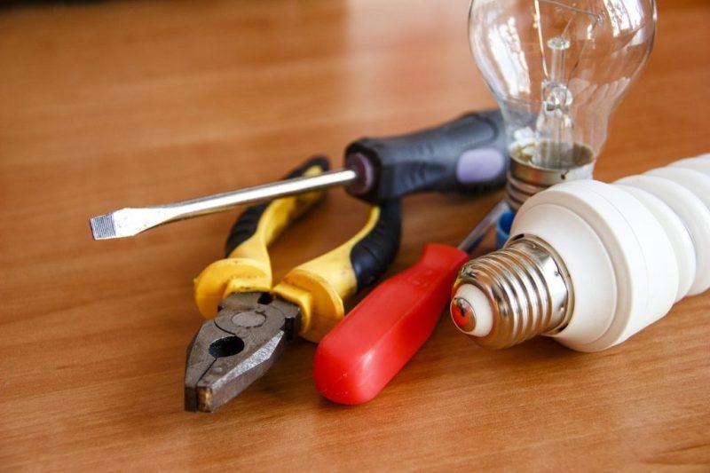 Máte potíže s elektřinou? Zavolejte profesionála