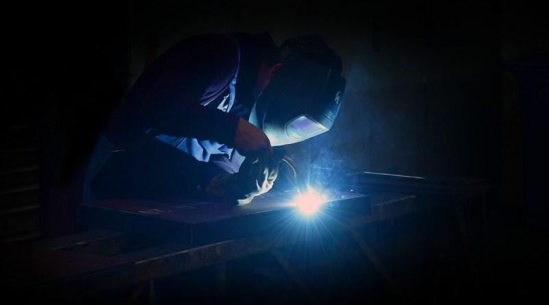 Man Welding Welder Manufacturing  - 13589689 / Pixabay