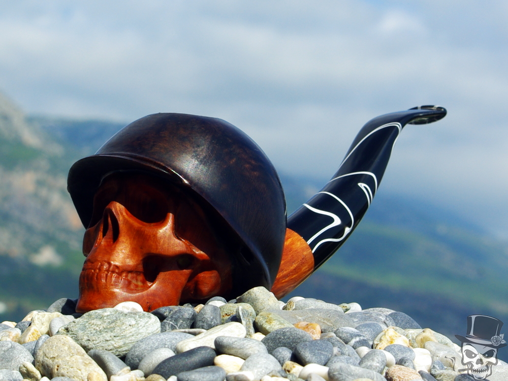 M-014-briar Military Army Skull with Helmet Pipe.