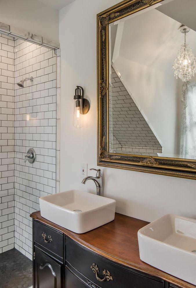 Craigslist Clawfoot Tub : craigslist, clawfoot, Craigslist, Bathtubs, Eclectic, Bathroom, Subway, Classic, Clawfoot, Dresser, Vanity, Furniture, Gable, White, Finefurnished.com