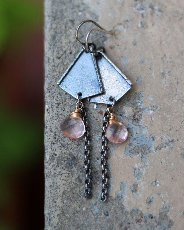 rose-quartz-triangles-earrings