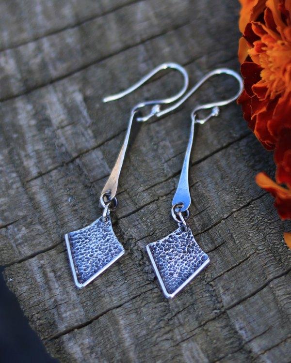 spiky-arrows-dangle-long-earrings-2