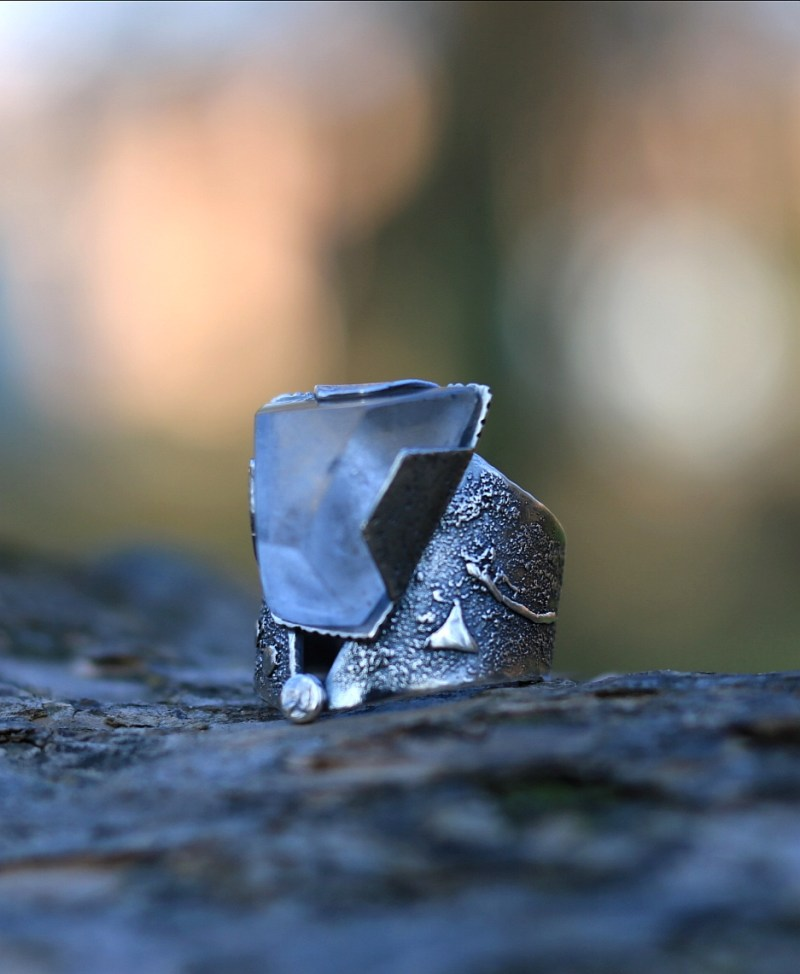 Big quartz ring in sterling silver