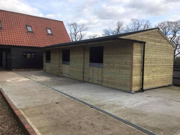 12 x 36 Stable Block Shiplap Timber Front View