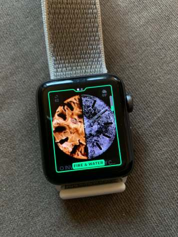 watchOS 5 fire and water face
