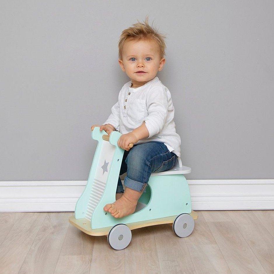 Present till 2-åring: Miniscooter