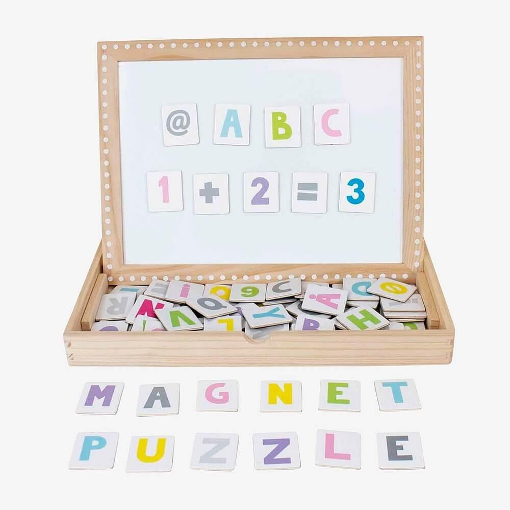 Present till 5-åring: Magnetplatta ABC