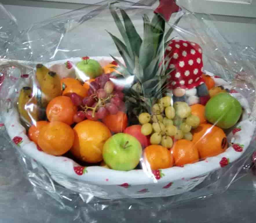 Gavekurv med 9 kg frukt
