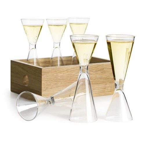 Set av 6 snapsglas i fin trälåda
