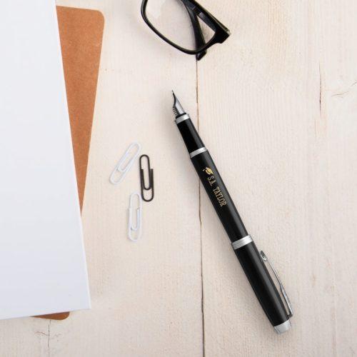 Fint graverad penna