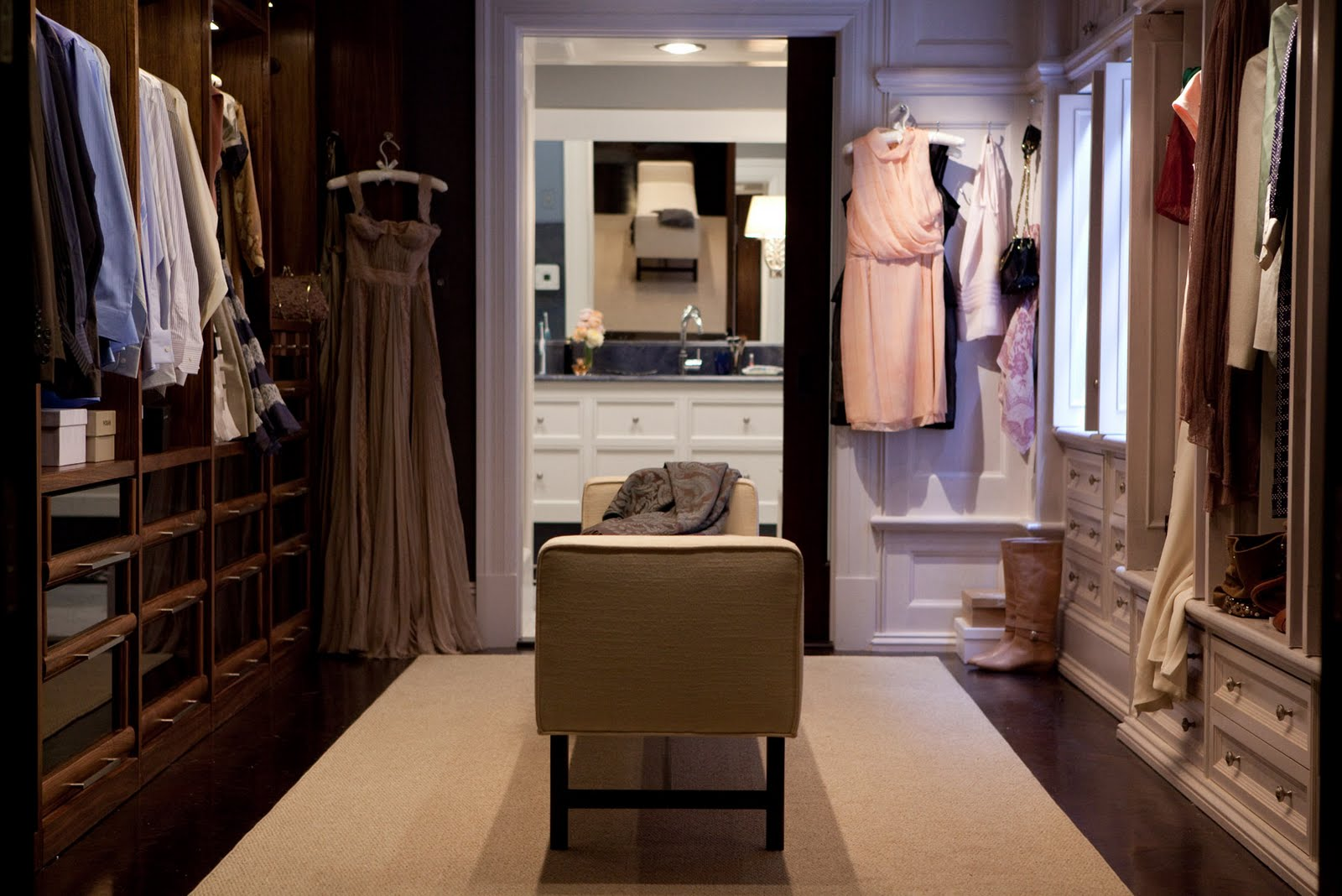 carrie-bradshaw-apartment-sex-and-the-city-movie-2-dressing-room