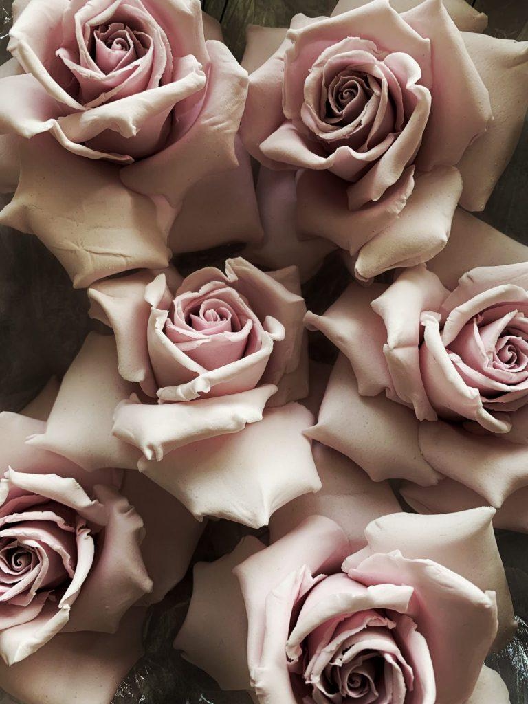 mauve sugar roses made with gumpaste recipe