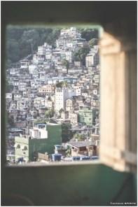 Finestra sulla favela è stata aperta originariamente su una vera favela sudamericana, la favela Rocinha di Rio de Janeiro; oggi la Finestra si apre su altri luoghi lontani e vicini a contempo, su altre emarginazioni, su altri episodi di straordinaria umanità spesso offuscata e violentata dal pregiudizio. https://finestrasullafavela.wordpress.com/ #finestrasullafavela