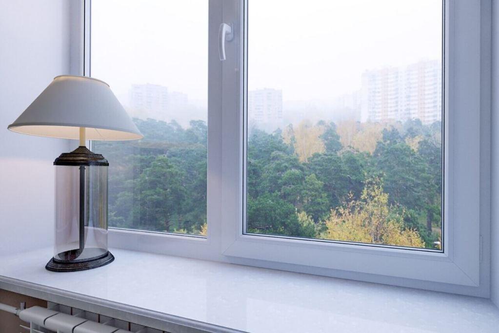 утепляем зону подоконника в пластиковом окне финестрелли