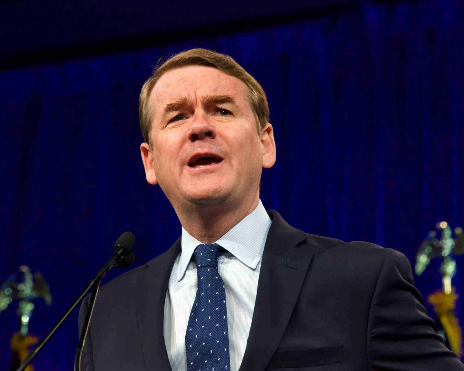 Michael Bennet Officially Suspends his Campaign for President 7