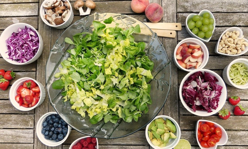 Salads with Fruit and Chicken
