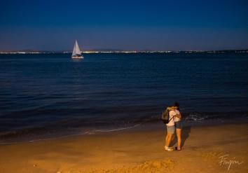 couple sunset night lisbon