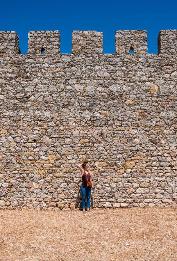 castle girl wall