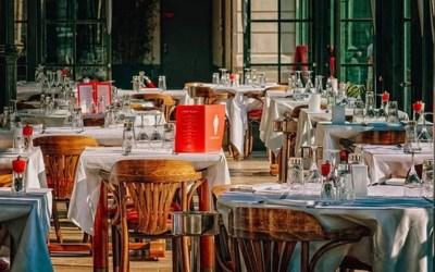 Covid-19 : Les restaurants sont-ils des lieux de contagion privilégiés?