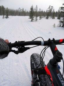 Radfahren im Schnee   Foto: Tarja Prüss