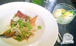 Hauptspeise: Glasierter Schweinebauch mit Röstrüben und neuen Kartoffeln