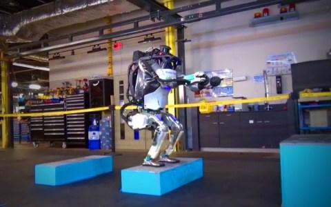 A estos robots les gusta Motoko Kusanagi (Ghost in the Shell), pero no es su heroína favorita