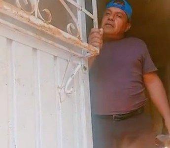 Cuando tu puerta oxidada suena mejor que la radio