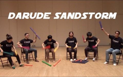 Darude Sandstorm por un tubo