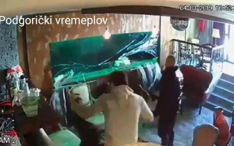 Pecera gigante colapsando dentro de un bar