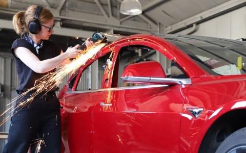 Convirtiendo un Tesla Model 3 en una Pick-up