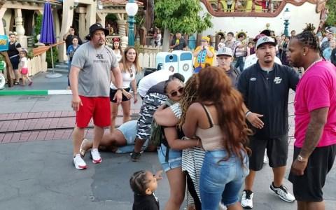 Pelea nigatrón en Disneyland: dos padres dan un espectáculo lamentable delante de todos los críos que visitaban el parque
