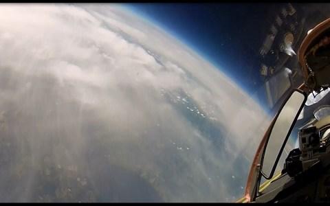 Volando por la estratosfera con un MiG-29