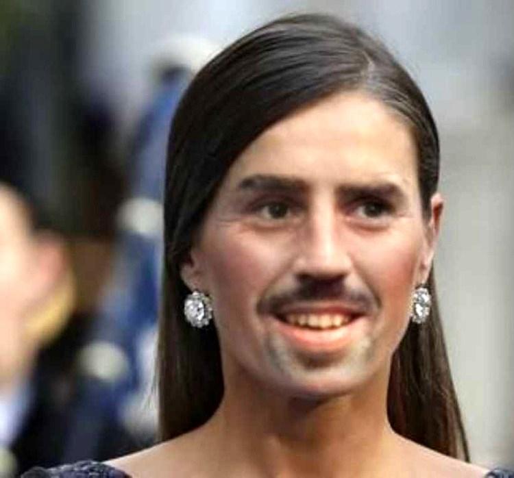 Un forocochero se aburría y dijo que haría realidad las fusiones de caras que le pidieran. Estos son los resultados: