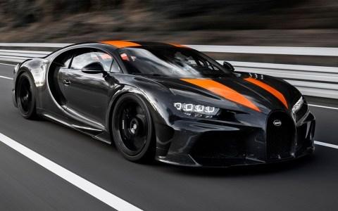 Bugatti supera la barrera de las 300 millas por hora: 490 km/h, a un paso de los 500