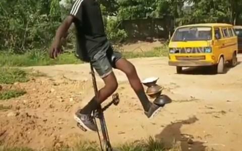 Os presento al campeón de Mozambique de malabarismo extremo
